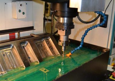 Evertz Werkzeugbau in Solingen | Feinste Erodiertechnik vor Ort